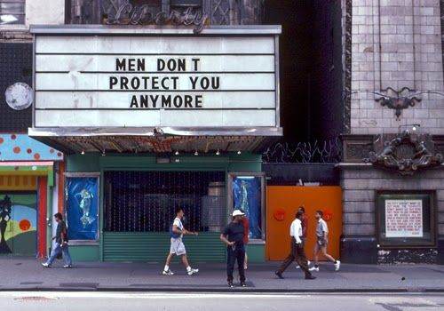 op New Yorkse bioskoop: Men don't protect you anymore